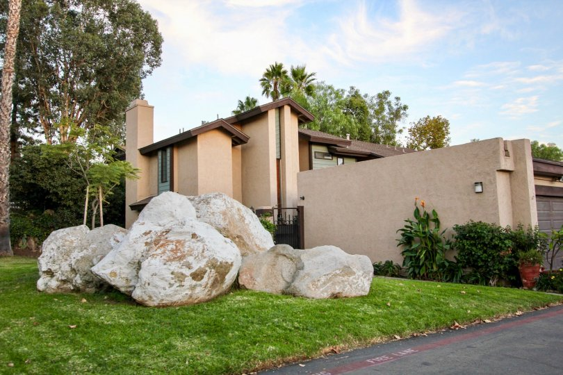 Skylark Terrace in Escondido California with a modern architecture and outdoor rock sculpture