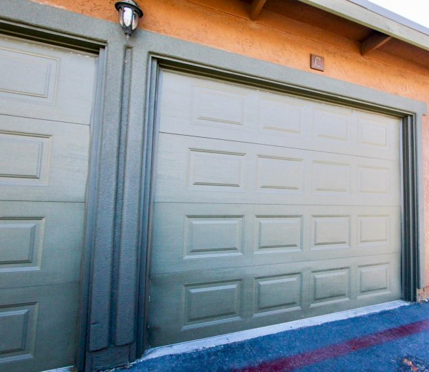Garages attached to a residence at Somterset Woods in Escondido California