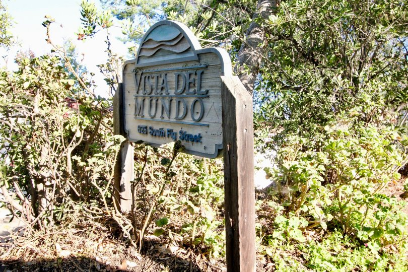 Wonderful vista Del mundo sign in Escondido California plenty of trees in backround