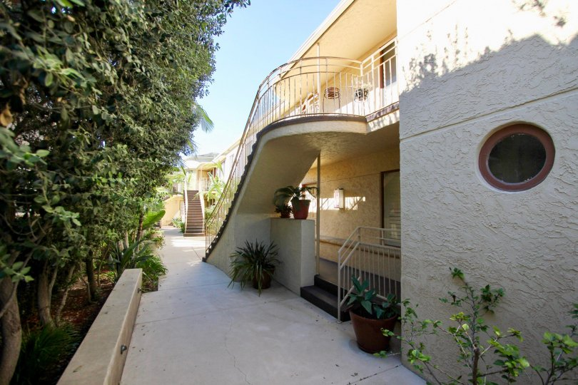 Excellent Villa with sunshine and garden trees with steps in Balboa Court of Hillcrest