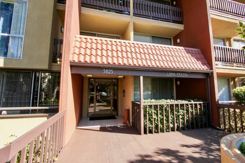 Beautiful condo Fully Gated Community The complex is well maintained and offers secure underground parking