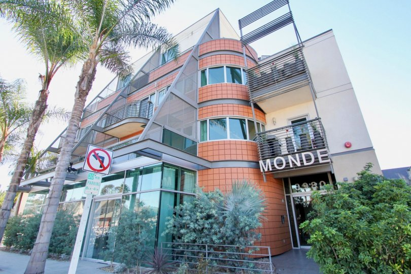 An ultra-modern low-rise townhouse with tile and steel cladding in the Monde neighborhood.
