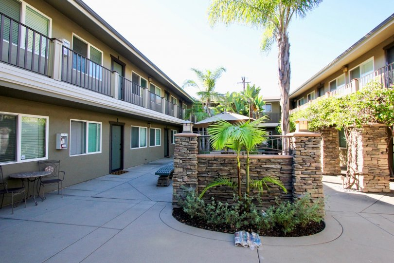 View of the courtyard of a motel in the stongate community in Hillcrest