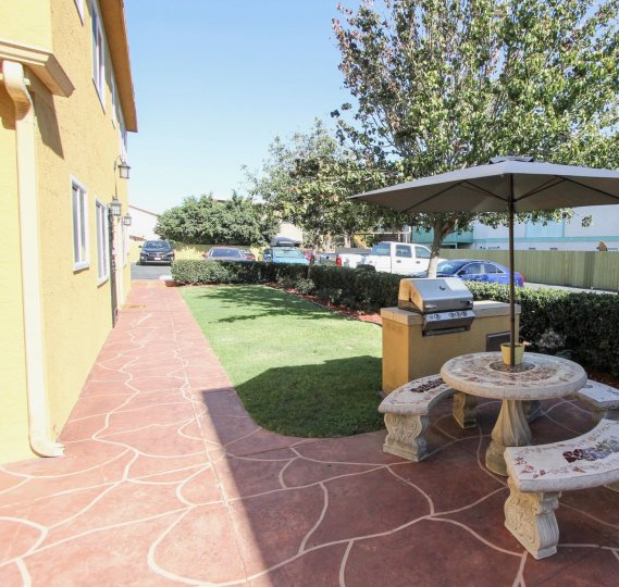 Picnic area at Holly Avenue Condos in Imperial Beach California