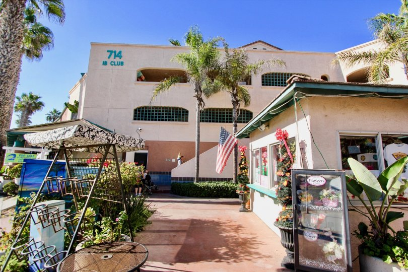 nice and most attractive Imperial Beach IN CALIFORNIA MOST ATTRACTIVE AND PEACEFUL Imperial Beach Club with beautiful garden clean way looking every where greeneryvisit with family in weeken