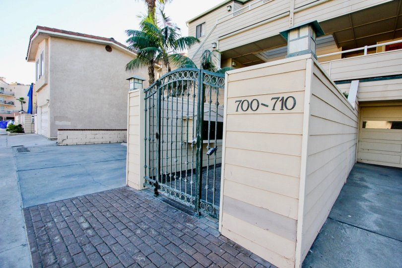 On morning, Ocean Palms has a apartment with trees and number 700-710
