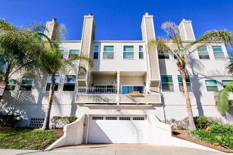 Sandcastle Townhomes, City: Imperial Beach, backside of a beautiful building with windows and doors