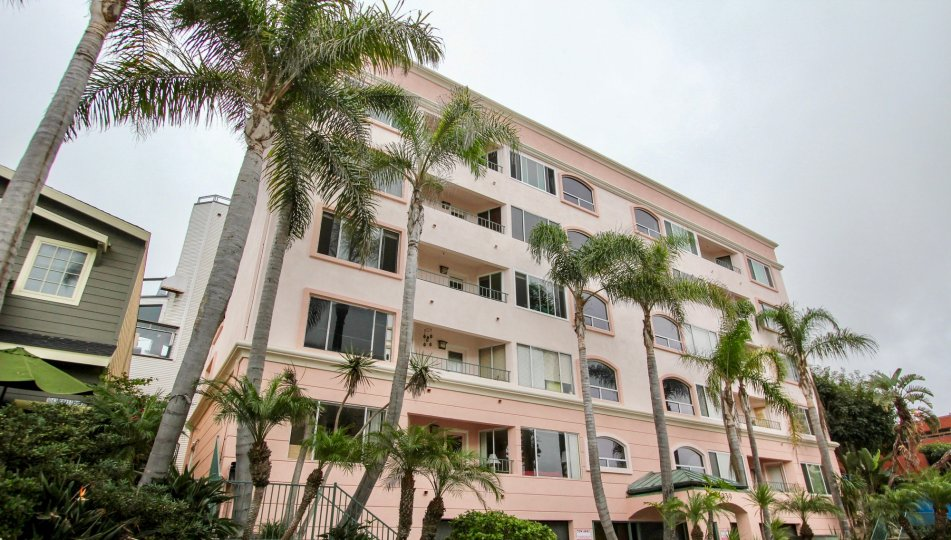Six story condo units at 1039 Coast Blvd South in La Jolla CA