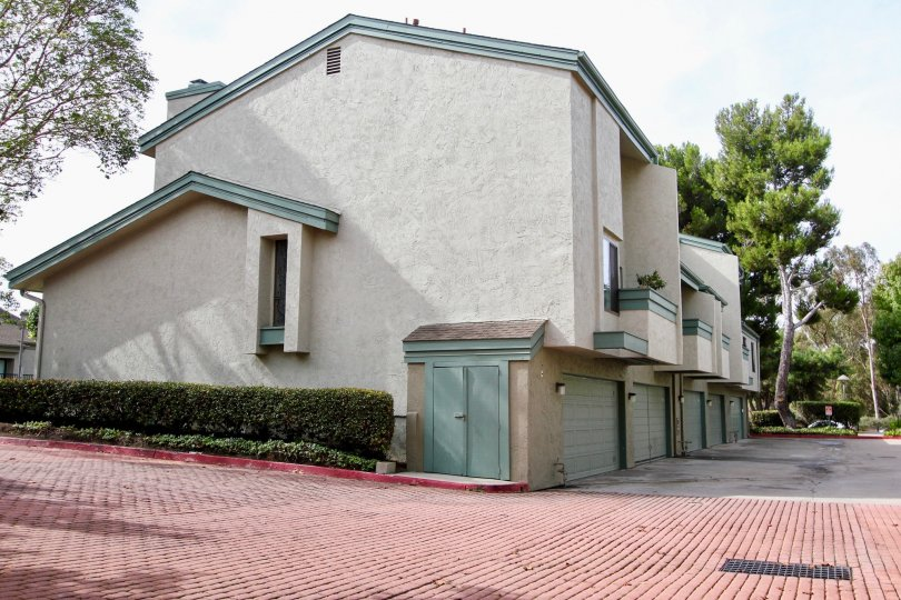 Houses with garage located in Eastbluff, La Jolla California with trees around