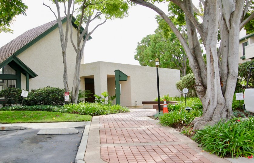 Independent spacious villa with awesome greenary in Woodlands North of La Jolla