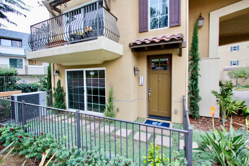 Beautiful, multi-story town home with fenced patio in La Jolla, CA