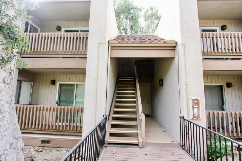 THE APARTMENT IN THE LA MIRIANDA WITH THE UPSTAIRS, FIRESAFETY, BALCONIS, PLANTS, TREES
