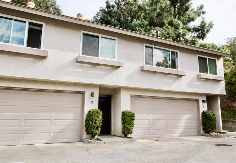 Excellent villas with ample parking space with trees around in Pinecrest of La Mesa