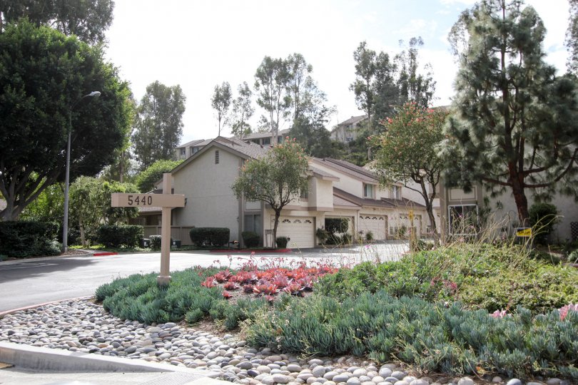 Excellent view of a villa with trees and garden in Strawberry Hills of La Mesa