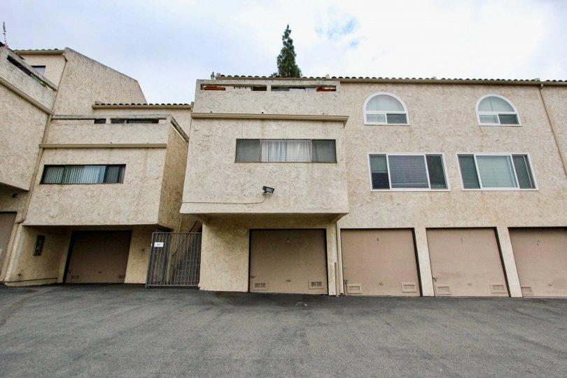 Villas with ample space for parking in Villa De Fanta of La Mesa