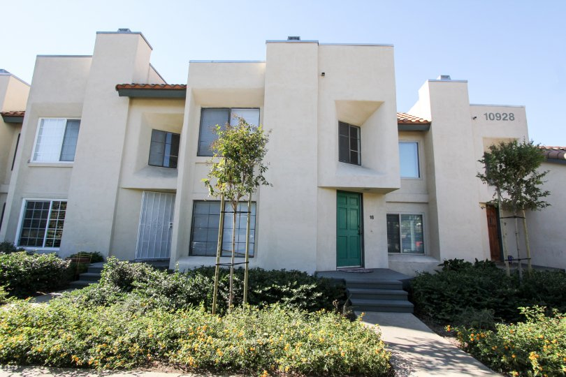 Two Story Condo with Fenced Patio Close to Shopping, Eating Entertainmen