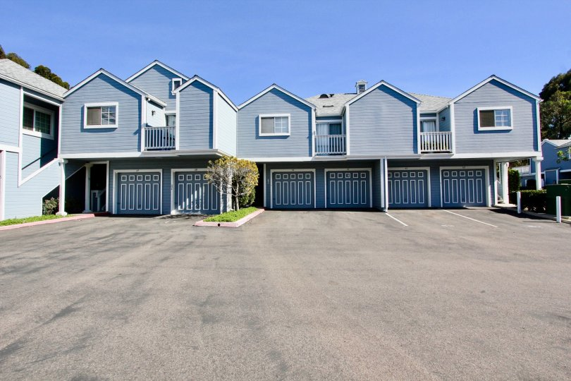 Blue and white accentuate town homes in Canyon Colony located in Mira Mesa, CA