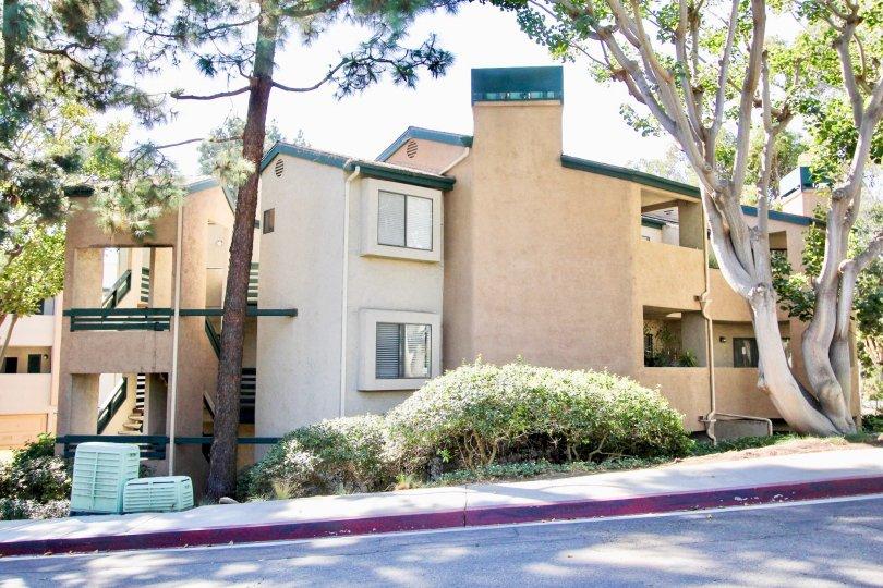 Creekside apartments located in Mira Mesa, California