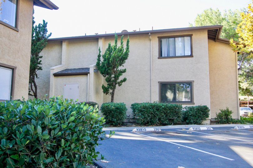 Quail Creek in Mira Mesa, California multi-level apartment homes