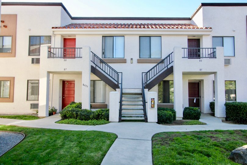 A beautiful building in the Mira Mesa with two floors and greenish garden