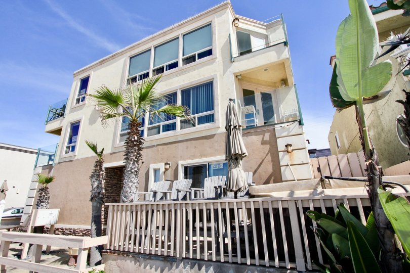3243 Ocean Front Walk NICE AND ATTRACTIVE BUNGALOW WITH BALCONY COMFORTABLE WHETHER NICE TREE CLEAN WAY