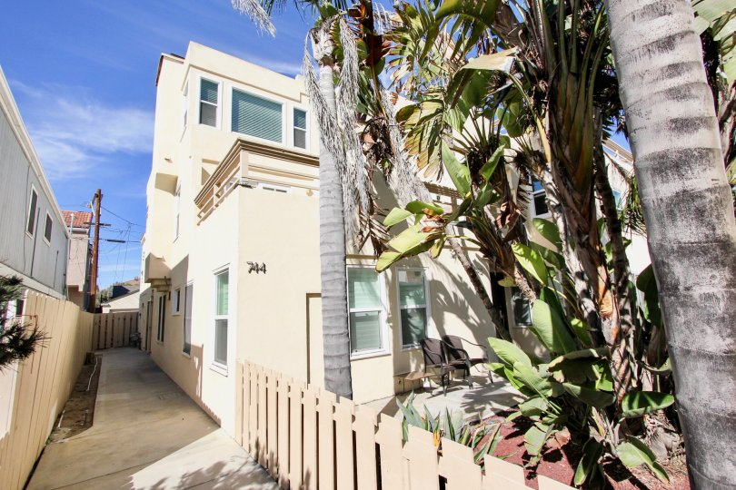 The scenic and sunny Isthmus Condos in Mission Beach