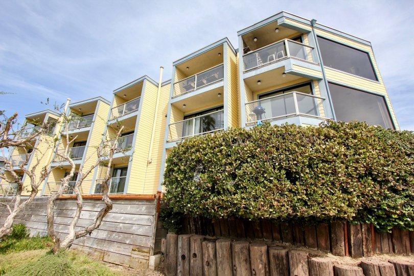 A community building located in La Fin Mission Beach CA.