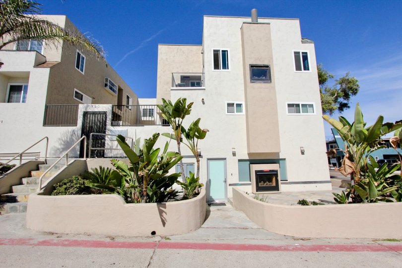 A sunny day at the Mission Beach Villas in Mission Beach, California