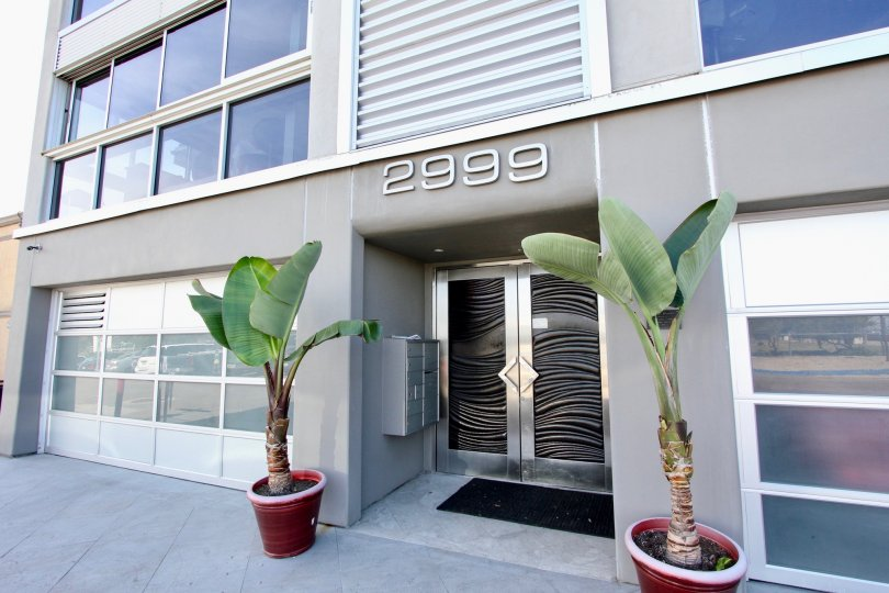 A Closer View of House Number 2999 in South Beach, Mission Beach, California