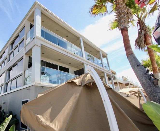 South Beach IN MISSION BEACH ONE OF THE ATTRACTIVE AND BEAUTIFUL BUILDING IN CALIFORNIA WITH BALCONY AND NICE TREE