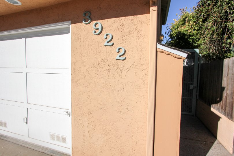 Four digit address on the front of a residential unit inside 3922 Albatross in MIssion Hills CA