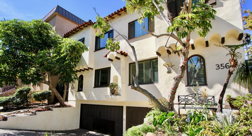 White stucco house in Las Casas De Juan, Mission Hills California