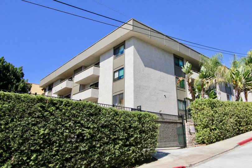 Side view of a residential building in Mission Crest Gardens building in Mission Hills, Calfiornia