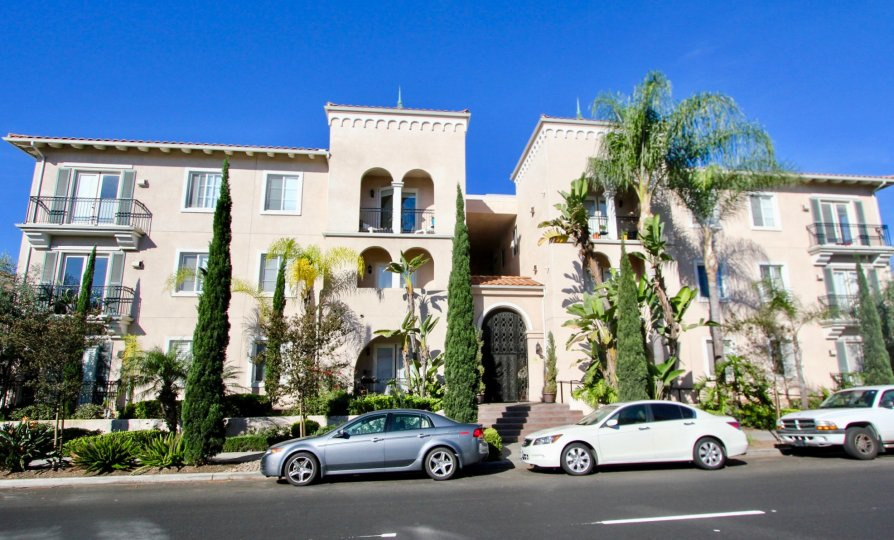 Beautiful apartment complex Villa Portofino on Front in Mission Hills, California