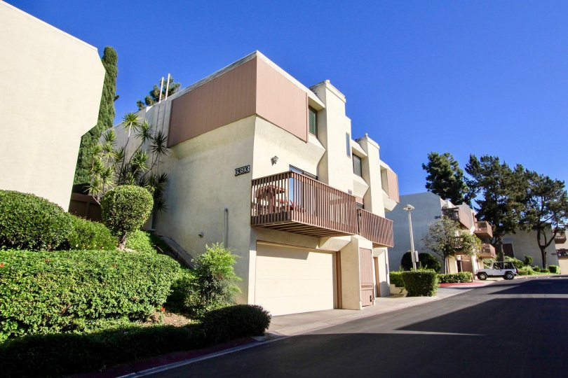 These two bedroom, two-to-three bathroom condominiums are priced between $320, 000 and $370, 000, well below the median San Diego home cost of $472, 200. Residence at this condo-complex is enhanced by a combination of onsite activities and relaxation offe