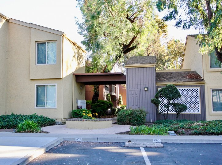 Friars Pointe ,Mission Valley  ,California,trees,building
