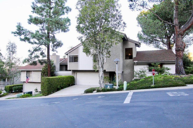 Kensington Park Villas is located less than three miles from Qualcomm and one mile from the 8 and 15 Freeways. The Planned Unit Development is centered around a large pond water feature and the modern architecture of the 145 units is characterized by high