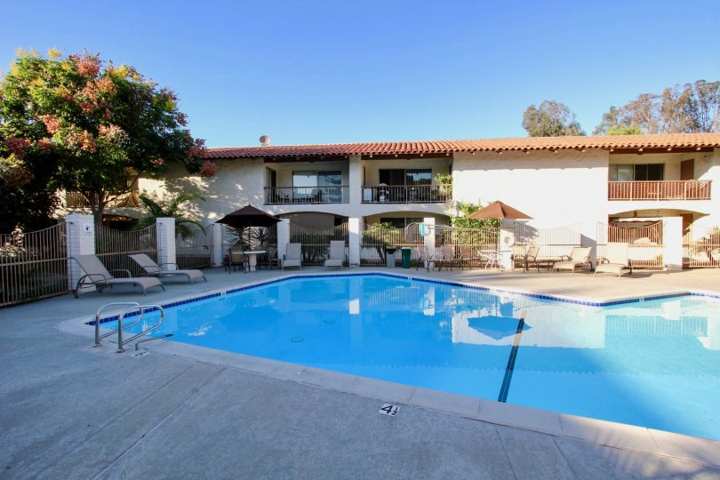 Mission Plaza,  Mission Valley ,California,swimming pool,pool side bed.