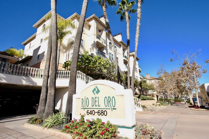 Del Rio Apartment Homes is located in desirable Mission Valley. Enjoy the resort-style pool and spa, yoga studio, dog park and picnic areas. Close to all major freeways, and a short drive to the San Diego Zoo, SeaWorld and Qualcomm Stadium, where the Char