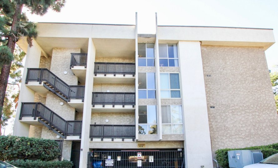 The Bluffs, Mission Valley, California apartment building with garage on 0 floor