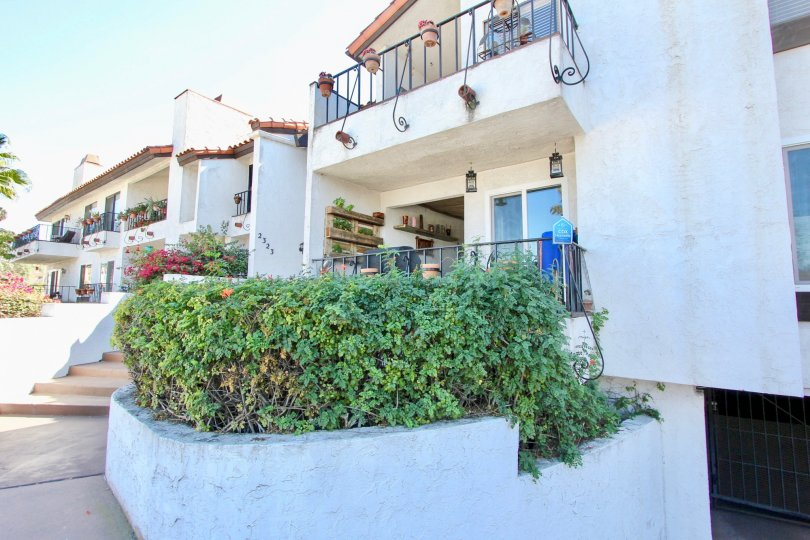 Beautiful condo Fully Gated Community with a beautiful balcony and underground garage