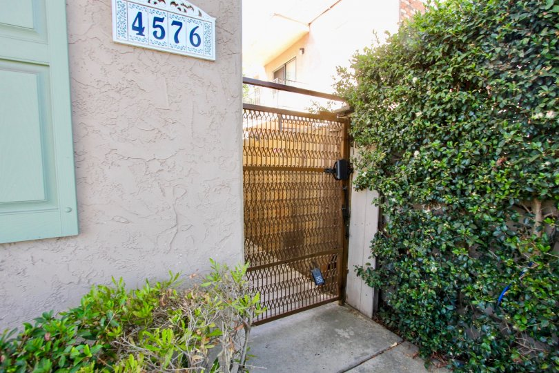 Apartment number 4576, Hawley Boulevard, Normal heights, California