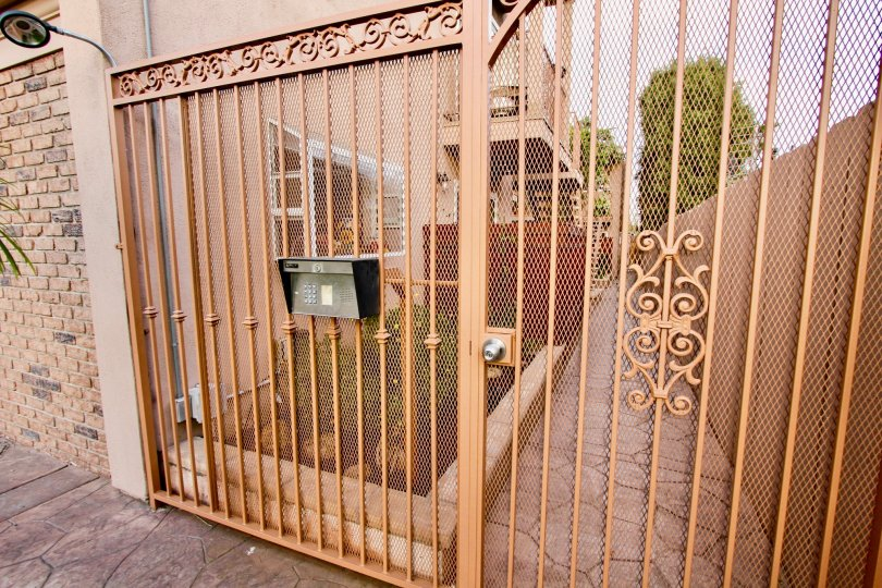 3345 29th St , North Park  ,California,grill gate,beige building