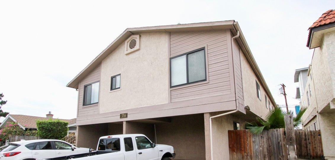 3766 31st St , North Park  ,California,glass window, white sky