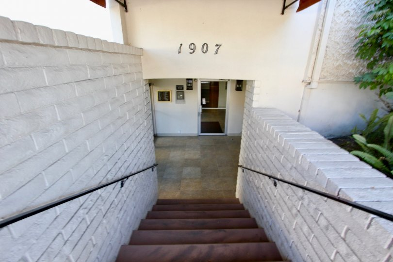 Horizon House ,North Park ,California,white building,steps