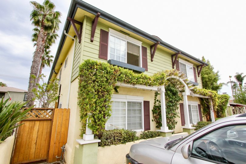 Vine covered home in beautiful Magnolia Walk Community of North Park