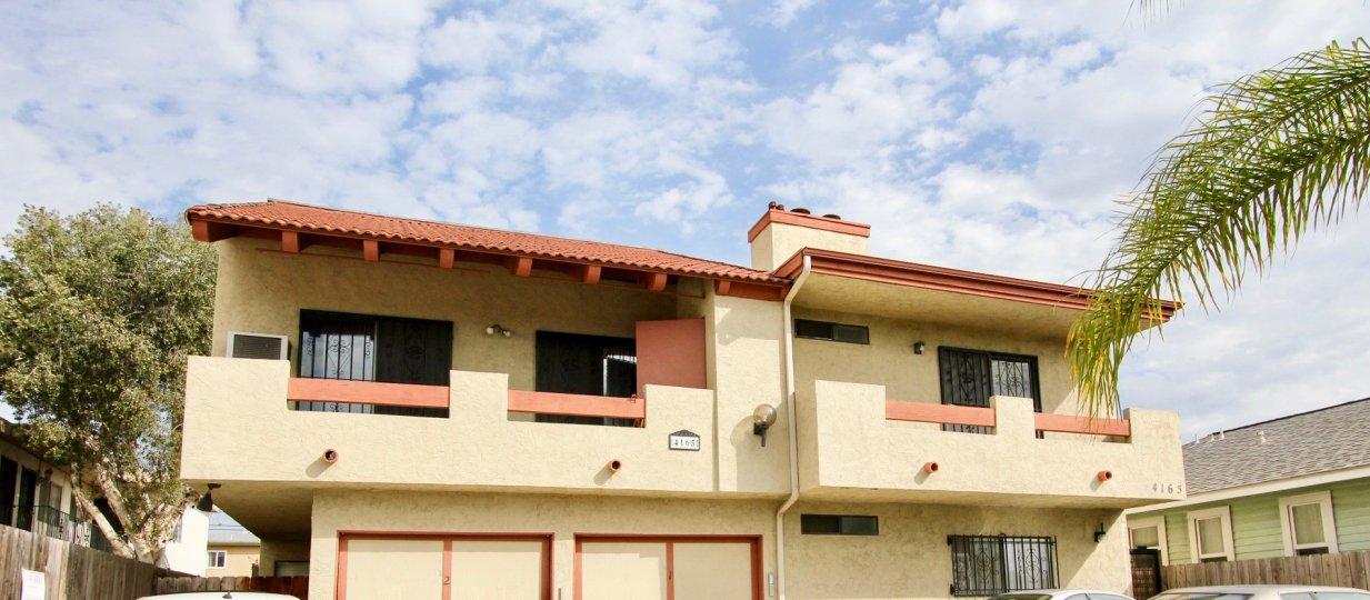 Villa de 33rd  , North Park  ,California, clouds,blue sky