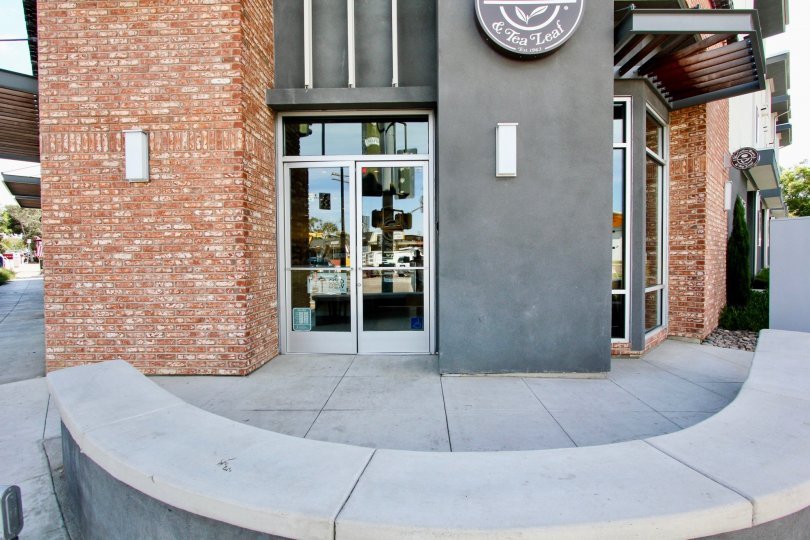 A mixed-use urban development in the heart of the Point Loma neighborhood of San Diego. Featuring 9 luxury condominiums, and a retail space being occupied by The Coffee Bean & Tea Leaf. The one-bedroom, one-bathroom apartment in the Stonehaven complex is