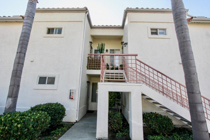 Neat side view of the Apartment of Avalon at Eagles crossing, Oceanside, California