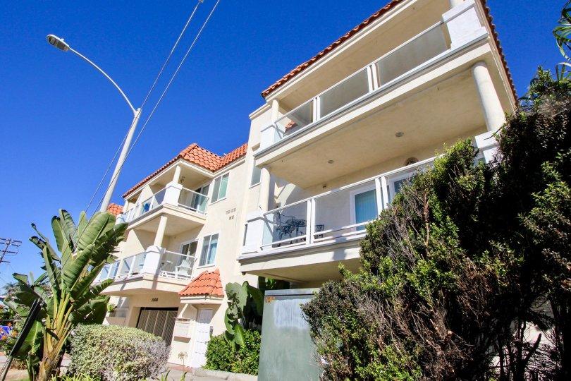 Denid Manor, Oceanside, California, blue sky, post light